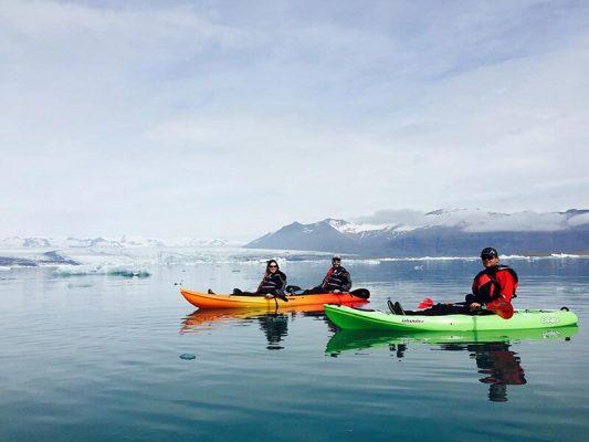 glacier kayaking tour on Jokulsarlon glacier lagoon
