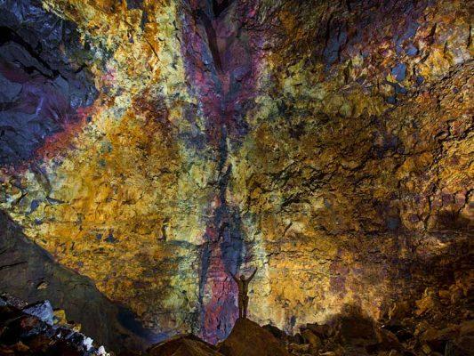 inside-the-volcano-02