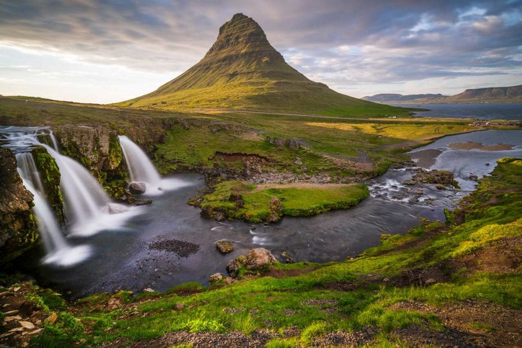 Kirkjufell is one of the filming locations of Game of Thrones