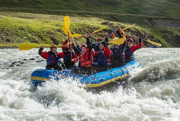 family-rafting-02