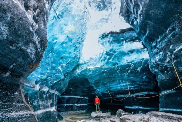 blue-ice-cave-tour-vatnajokull-01