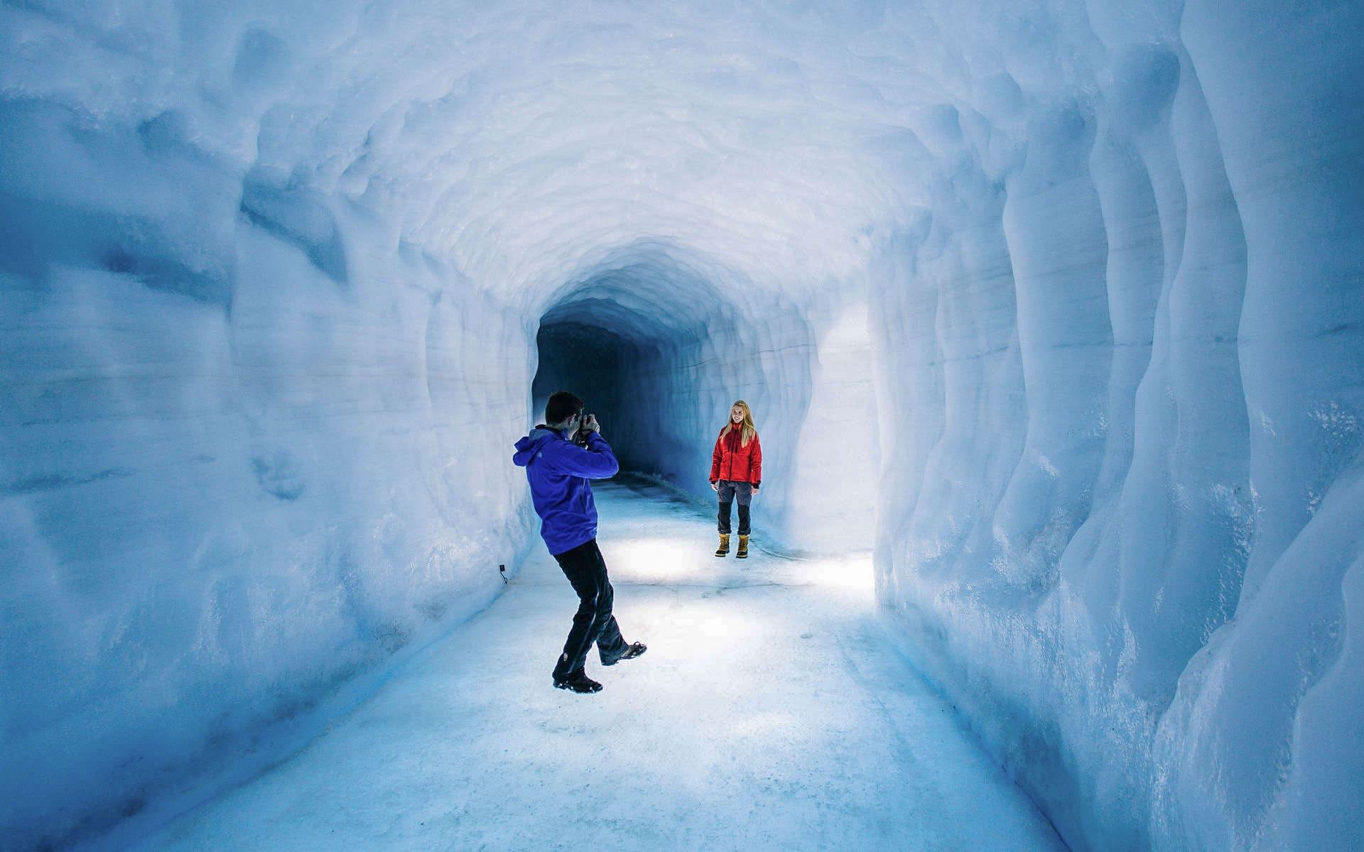 Langjokull Ice Cave tour