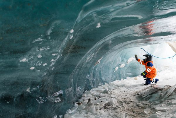 snowmobile-and-ice-cave-tour-from-reykjavik-01