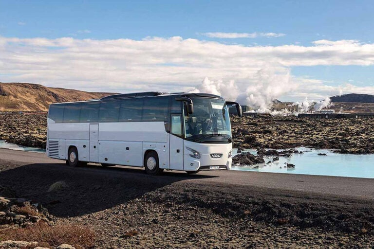 Flybus Blue Lagoon transfer - Iceland winter vacation
