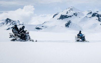 Snowmobiling onLangjokull