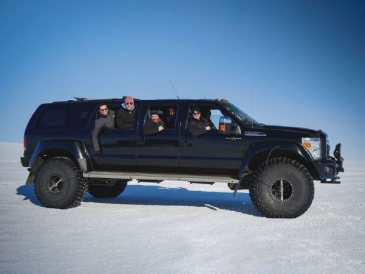 Ford-Excursion-Extended-01