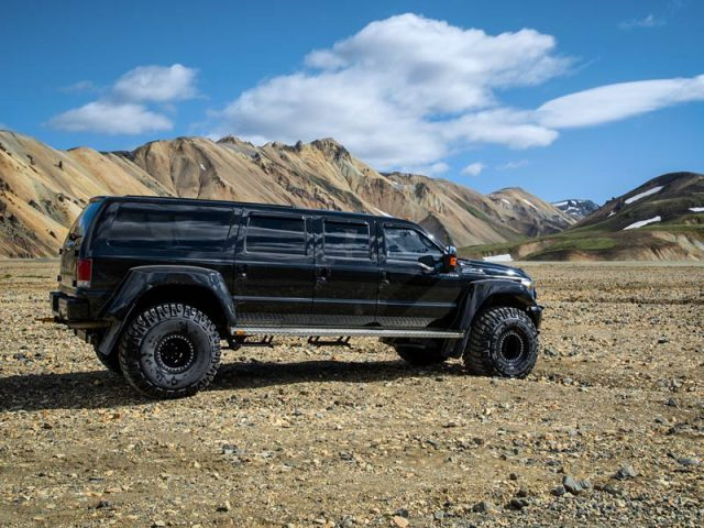 Ford-Excursion-Extended-02