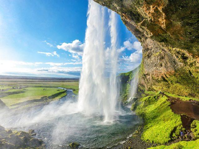 Iceland-Private-South-coast-tour-Seljalandsfoss-SS1