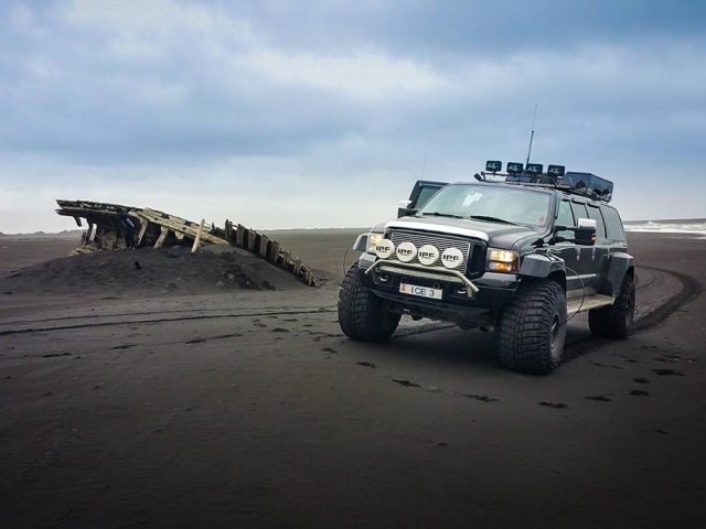 Iceland-Private-South-coast-tour-jeep