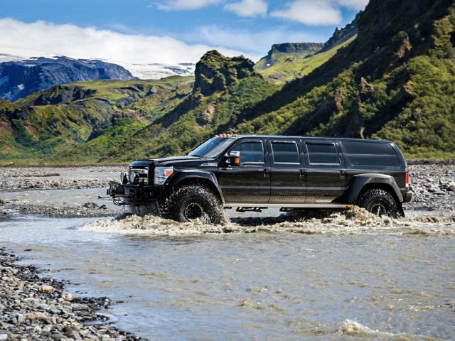 Iceland-Private-Thorsmork-Tour-river-crossing