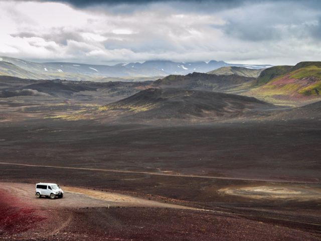 Landmannalaugar-Super_jeep_tour-craters