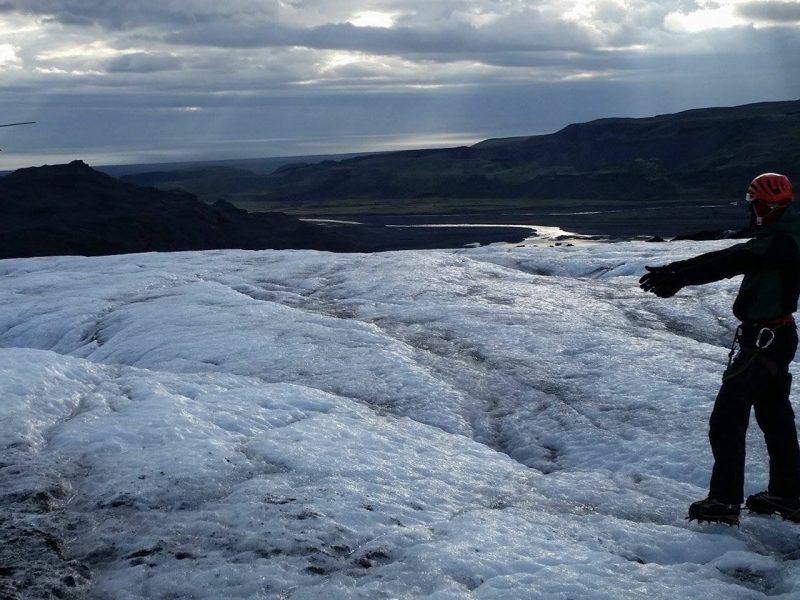 heli-glacier-hiking-03