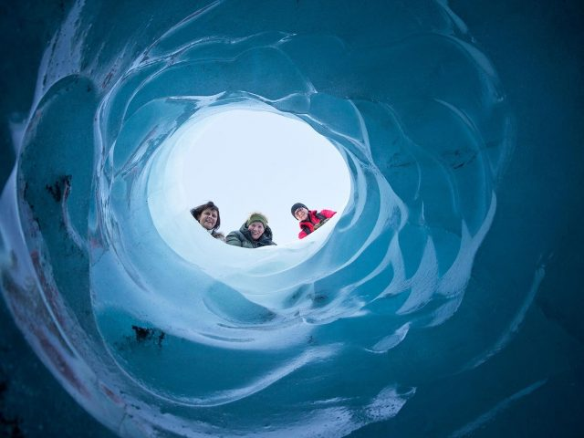 iceland-glacier-tour-walking-on-the-ice-side-01