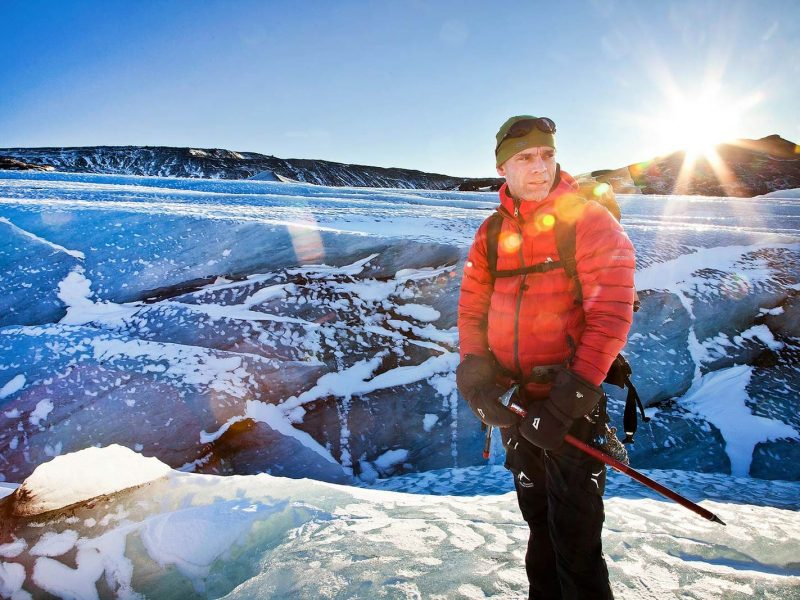 iceland-glacier-tour-walking-on-the-ice-side-03