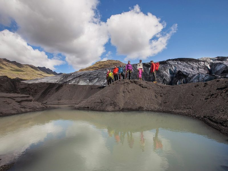 iceland-glacier-tour-walking-on-the-ice-side-07