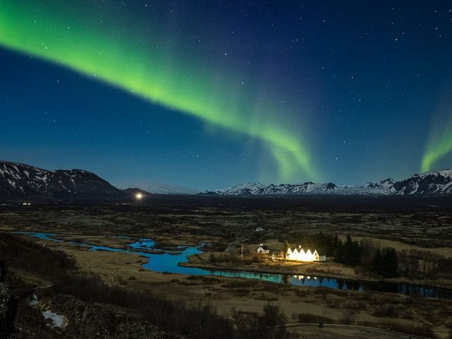 iceland-private-northern-lights-tour-thingvellir