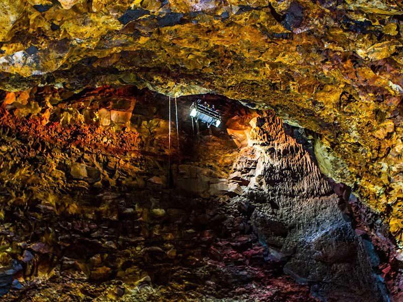 inside-the-volcano-04