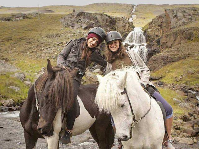 into-the-wild-horse-riding-tour-01