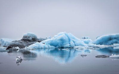 Floating icebergs in Jokulsarlon glacier lagoon