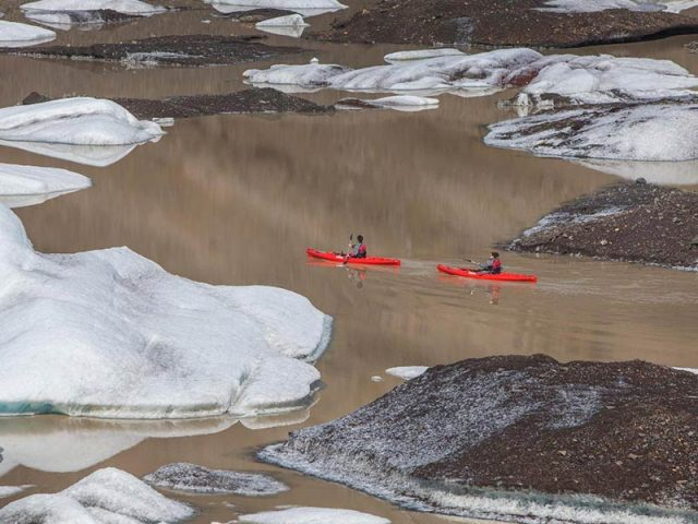 kayaking by the glacier - kayaking tour