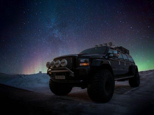 Luxury Super Jeep under the Northern Lights