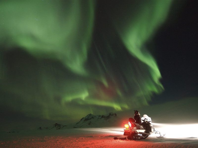 northern-lights-snowmobile-tour-03