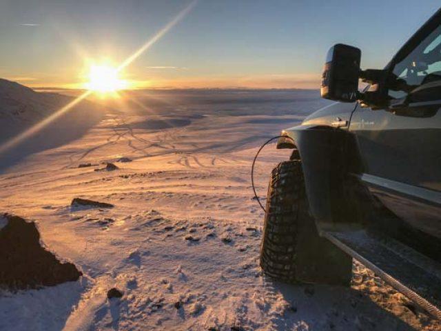 silver-circle-super-jeep-tour-glacier