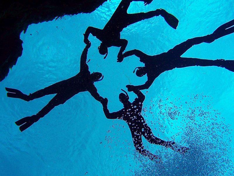 Snorkeling group in Silfra