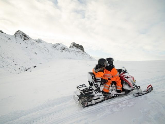 snowmobile-and-ice-cave-tour-from-reykjavik-05